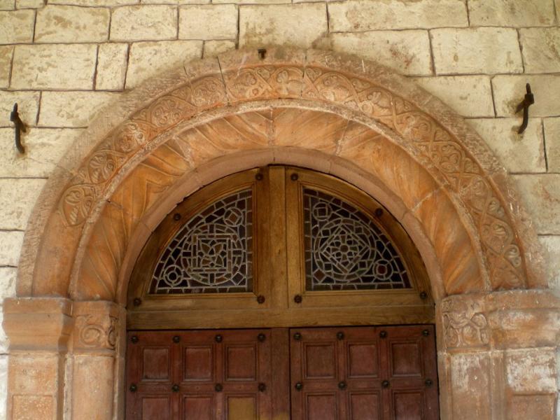 St-Dié. Église Notre-Dame de Galilée. Décor de la porte d'entrée du cloître. Décor du mur sud. Photo Marc Heilig
