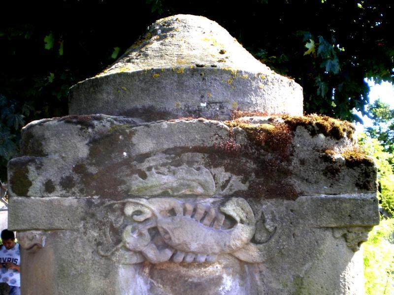 Fontaine du Jardin Boufflers. Écrevisse. Photo Marc Heilig