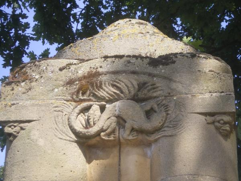 Fontaine du Jardin Boufflers. Salamandre. Photo Marc Heilig