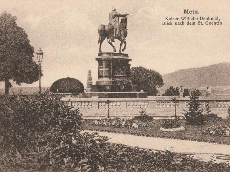 Kaiser Wilhelm Denkmal. Blick nach dem St Quentin. Carte postale du début XXe s.