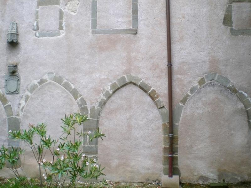 Les Thons. Couvent des Cordeliers. Côté est du cloître. Photo Marc Heilig