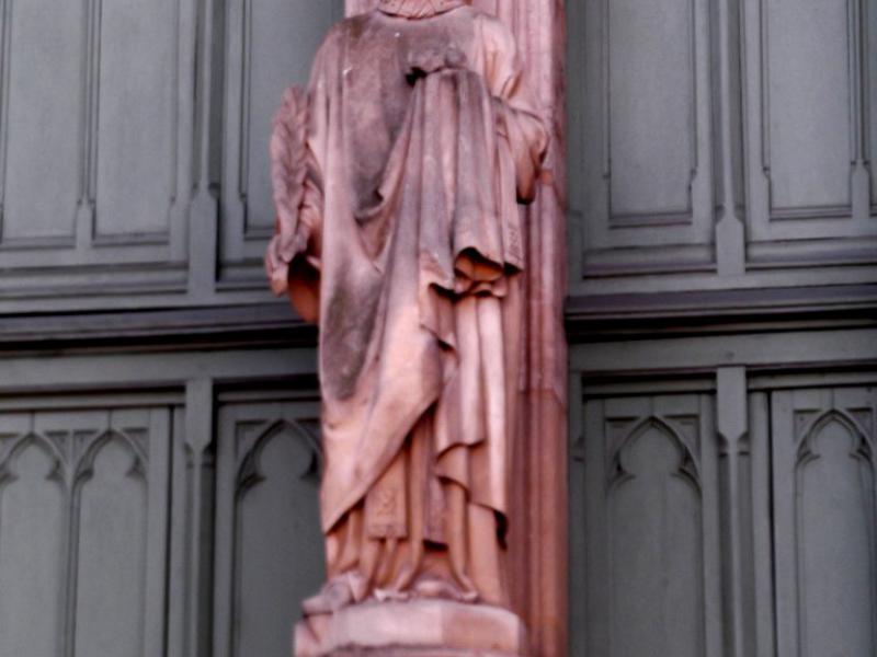 Saint Étienne. Sculpture d'Auguste Dujardin. Portail St-Étienne de la cathédrale de Metz. Photo Marc Heilig