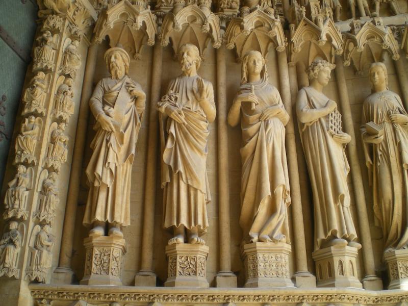 Saints du Portail de la Vierge. Sculptures d'Auguste Dujardin. Photo Marc Heilig